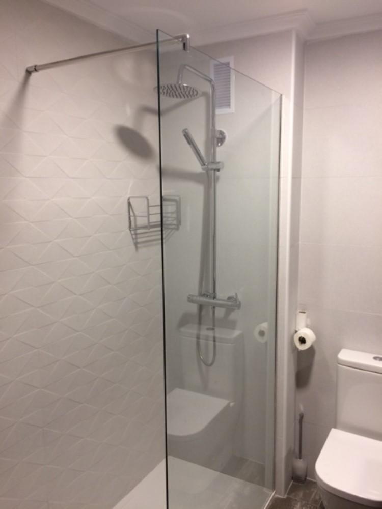 Mamparas de ducha en Albacete | Azulejos y Reformas la Unión Albacete