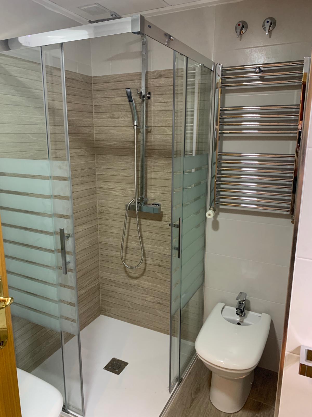Mamparas de ducha en Albacete | Azulejos La Unión